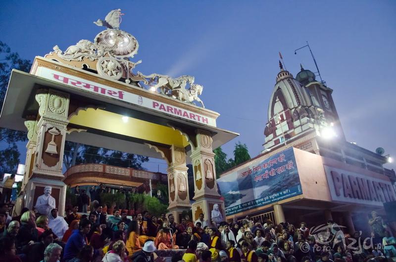 Ganga Arathi w Rishikesh