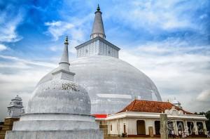 Zabytki pierwszej stolicy Sri Lanki - Anuradhapury