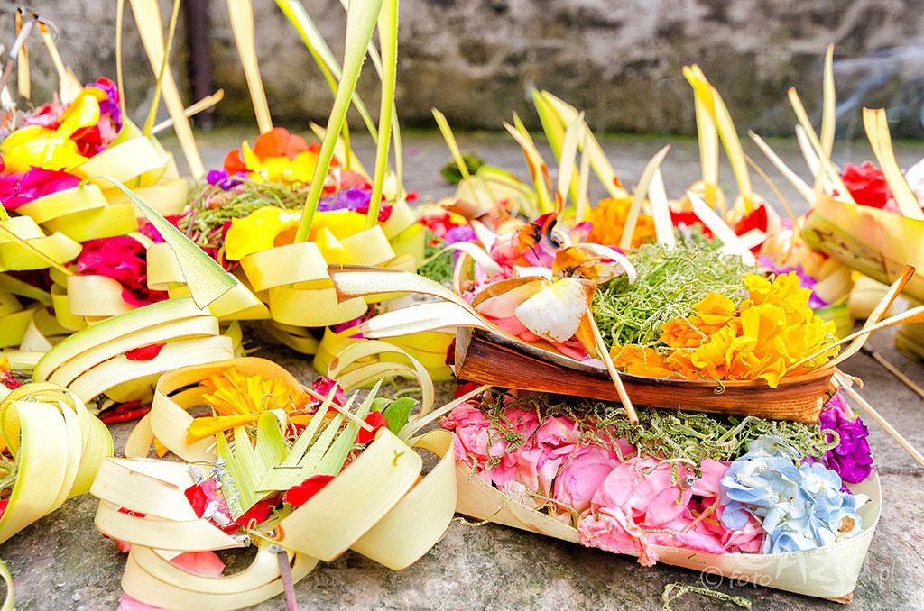 Ofiary na rzecz hinduistycznych bogów, Bali